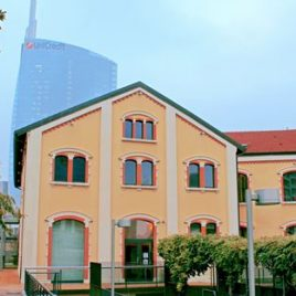 Location in Isola district with a 500 sqm surface area